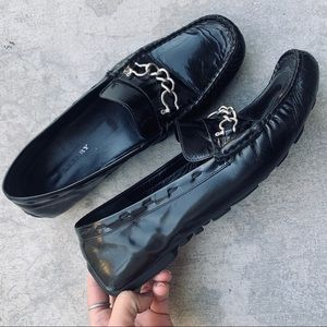 BURBERRY chain black leather driving loafer 38.5